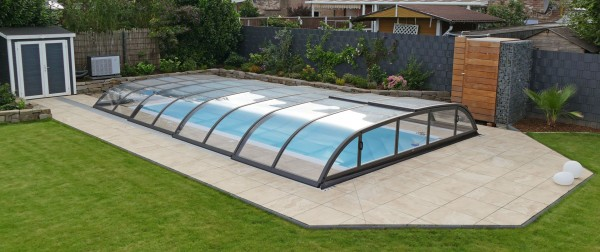 ueberdachter-Pool-flach-Dallas-Albixon-Sunday-Pools