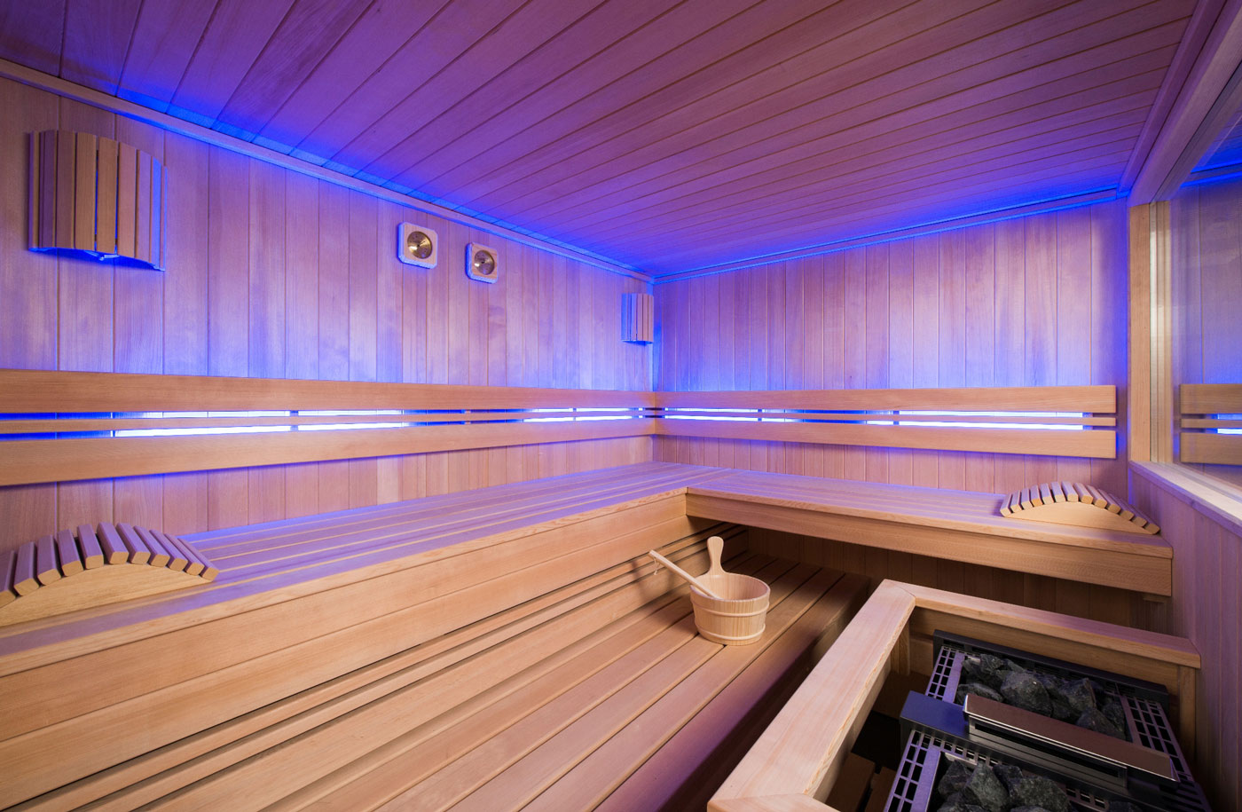 outdoor sauna mit panoramafenster sunday pools onlineshop. Black Bedroom Furniture Sets. Home Design Ideas